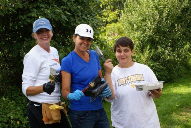Midmark employees volunteer.