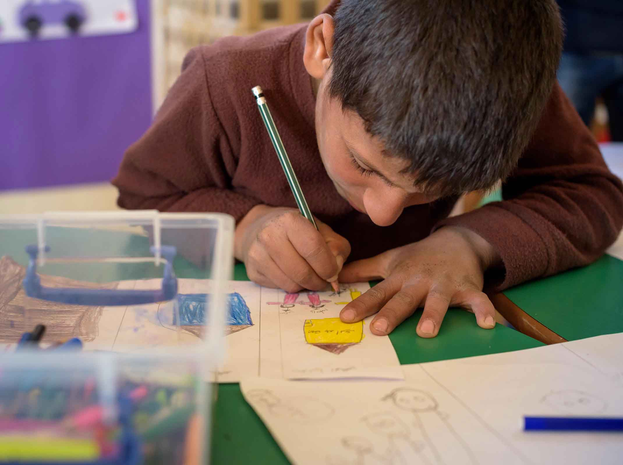 Syrian refugee children use art to express their feelings.