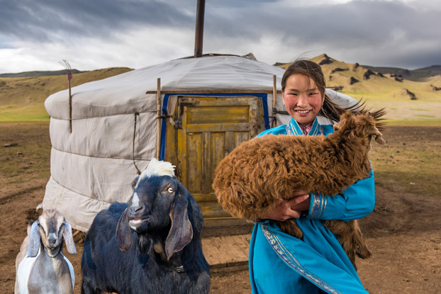 Follow the goats: In Mongolia, Dulamsuren is the perfect example of how goats are helpful to people! Experience the daily lives of goats and people in Mongolia.