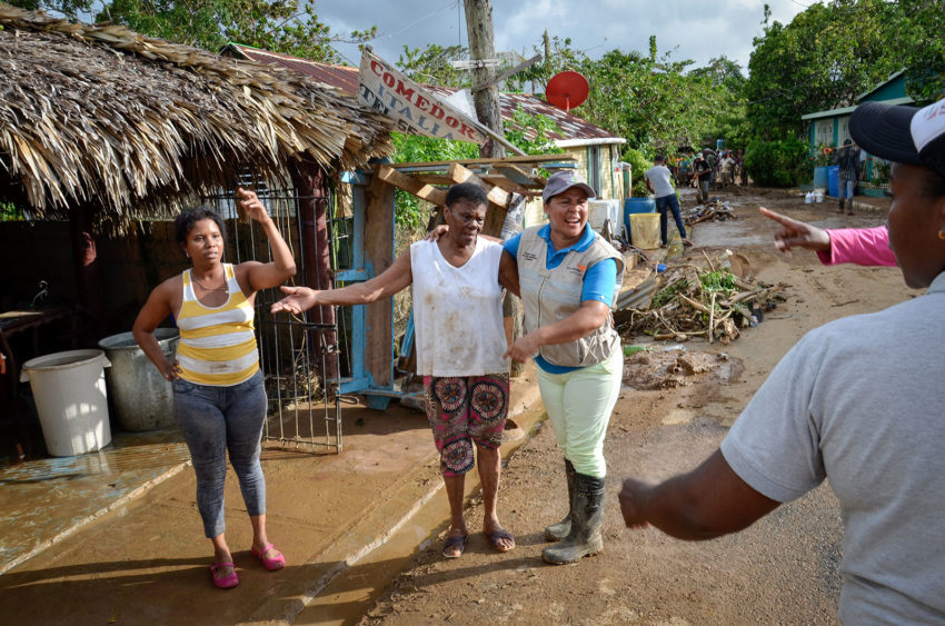 World Vision distributes relief supplies to families in Miches, Dominican Republic, after a river flooded the community during Hurricane Maria. (©2017 World Vision/photo by Juan Pablo Ramirez Gan)