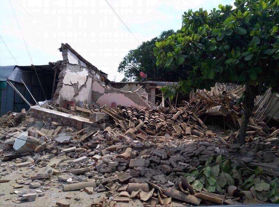 This building in Tonala, Chiapas, Mexico, was destroyed in a magnitude-8.1 earthquake late Sept. 7. Local World Vision staff and community leaders estimate the between 150 and 200 homes were damaged or destroyed. (©2017 World Vision/photo by World Vision staff)