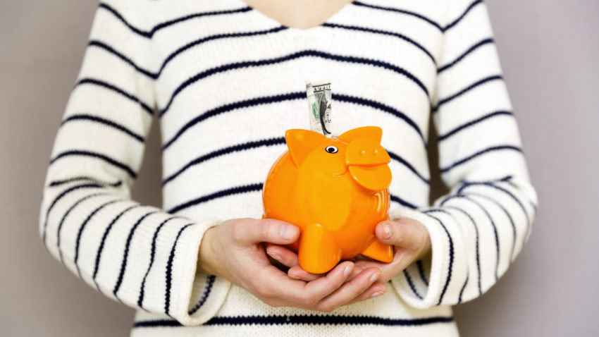 Adulting 101 - how to be a generous grownup | Budgeting for generosity ©2018 World Vision/Photo by Thinkstock