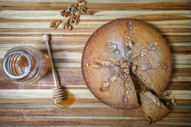 Recipe for Armenian honey cake.