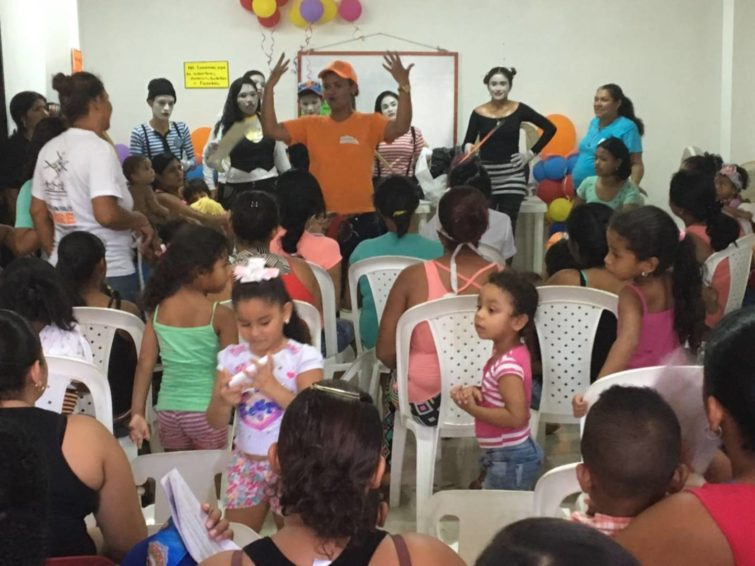 Young people present information on preventing Zika at a World Vision Zika awareness workshop in Colombia. (©2016 World Vision/photo by Juan Carmilo Garnica)