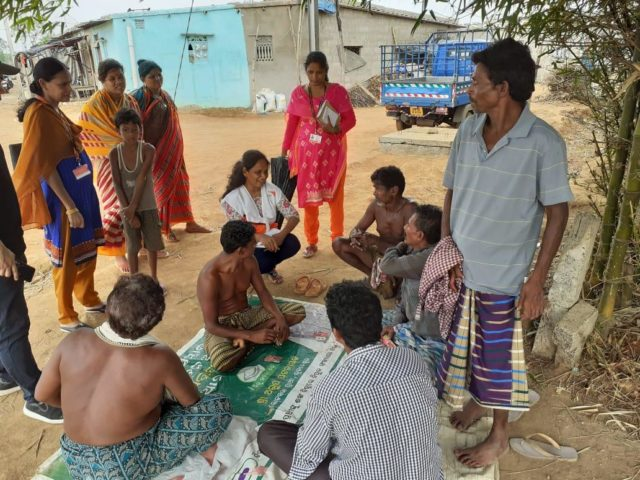 In preparation for Cyclone Fani hitting India's Odisha state, World Vision staff member Tabitha Vani explains evacuation procedures to people in Bhubaneshwar. Community members moved to a safer place the same evening, before the storm hit.