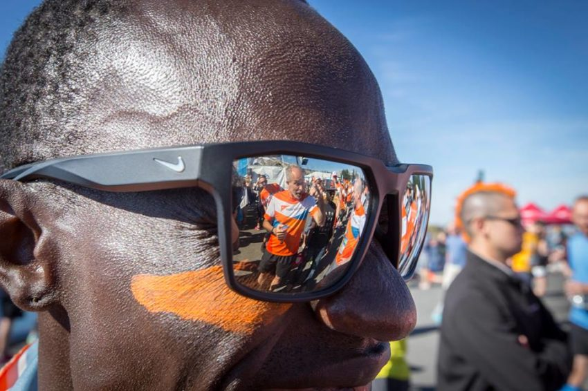 Lopez Lomong hangs out with his Team World Vision teammates at the Hood to Coast Relay in 2016.