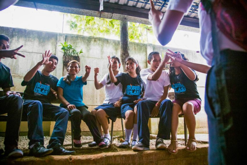 Teens in El Salvador are taking part of a program that empowers them to build a future for themselves.
