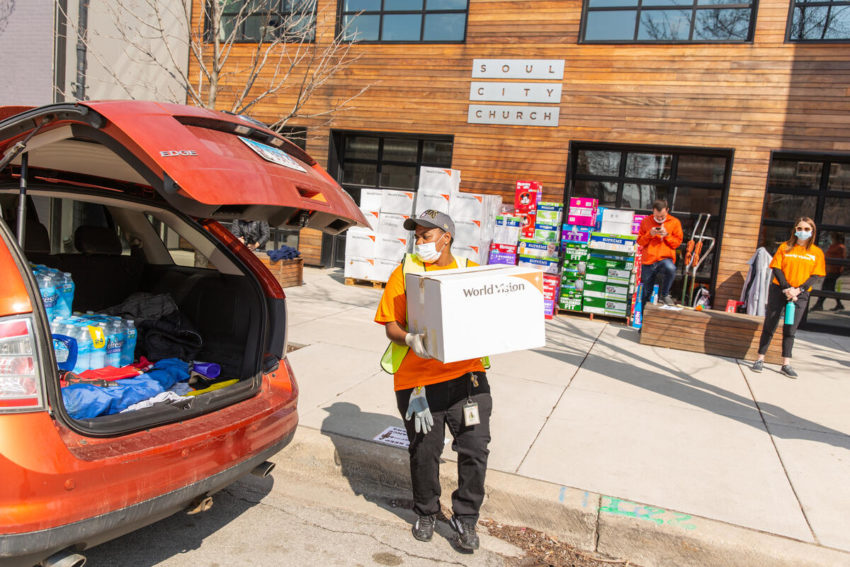 World Vision partners with Soul City Church in Chicago to distribute essential supplies to community members in need during the COVID-19 pandemic.