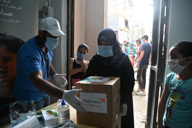 The Beirut team distributing food parcels for the most vulnerable families in the Nabaa area as part of the Beirut explosion response