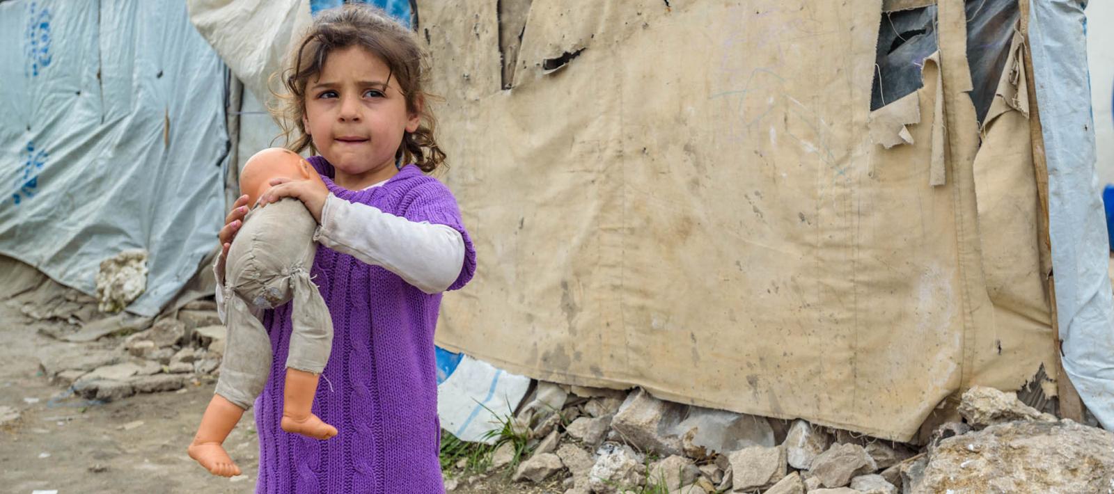 Help Syrian refugees ©2016 World Vision, Jon Warren