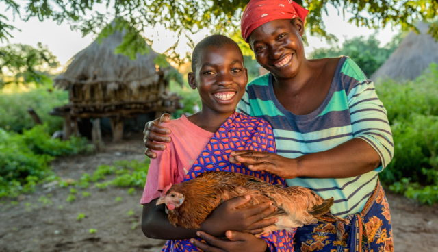 ©2016 World Vision/ Jon Warren give gift catalog chickens