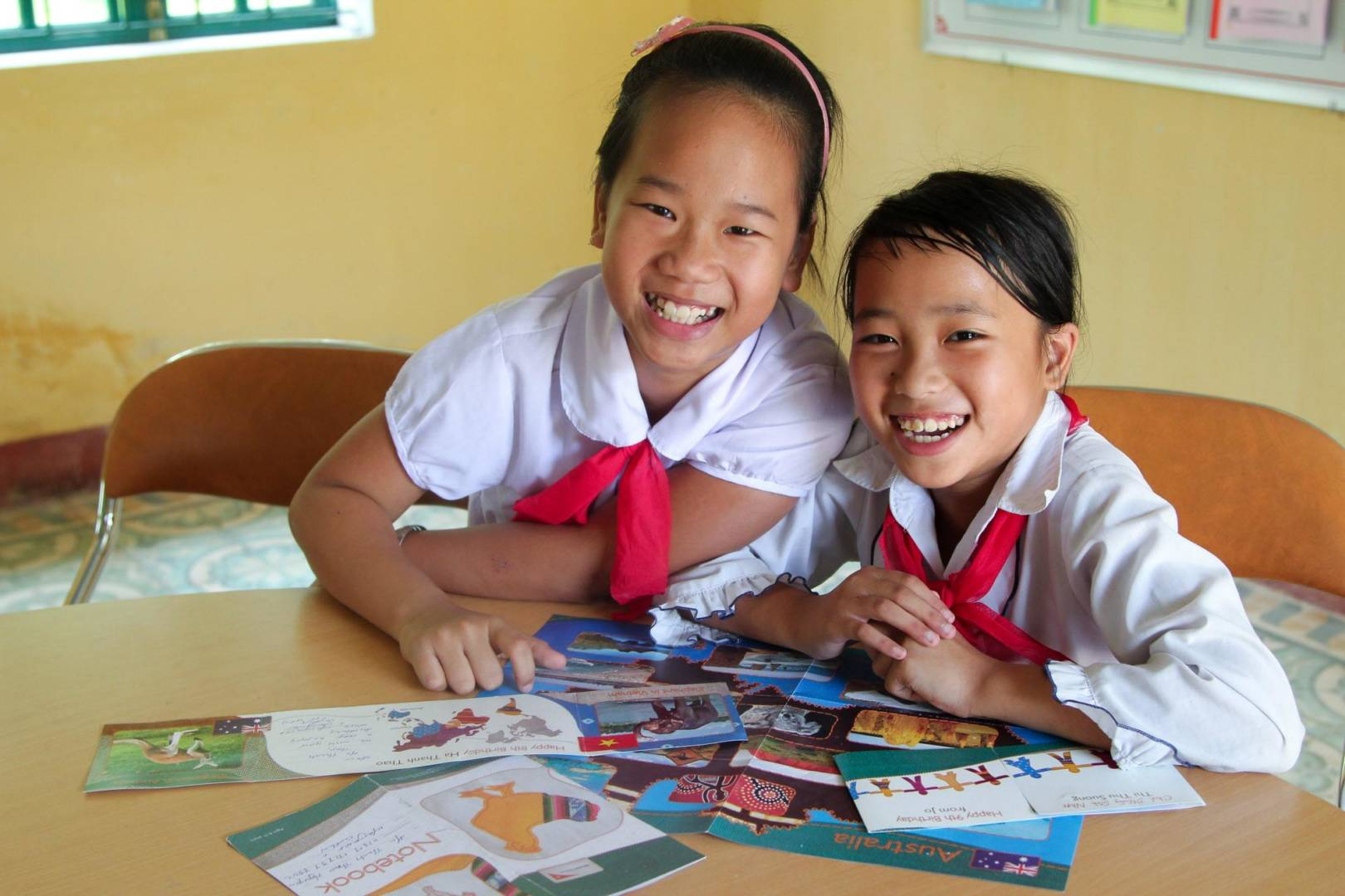 We make it easy to send your sponsored child a fun, meaningful greeting card! Find out how.